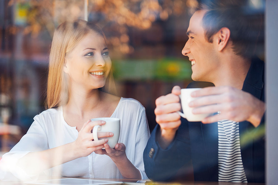 couple drinking coffee